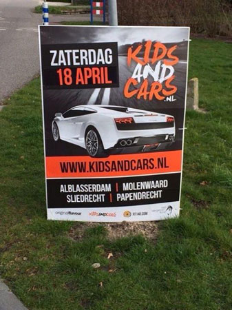 Reclameborden Kids and Cars gestolen